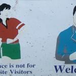 Auf das richtige Verhalten wird man auch in Vietnam hingewiesen