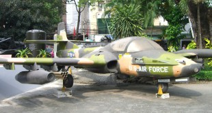 War Remnants Museum in Saigon: US Air Force Flugzeug