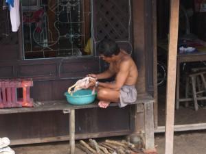 Essenszubereitung zur Mittagszeit im Mekong Delta