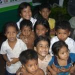 Vietnamesische Kindergruppe an der Grenze zu Kambodscha
