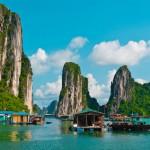 Floating villages in der Halong Bucht