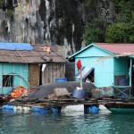 Schwimmende Dörfer (Floating Villages) in der Halong Bucht