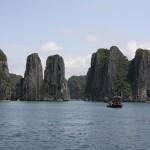 Die Kalksandsteinformationen sind in der Halong-Bucht beeindruckend