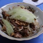 Vietnamesische Gerichte kommen frisch zubereitet auf den Tisch