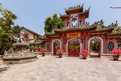 In Hoi-An gibt es eine Vielzahl von Pagoden zu besuchen...